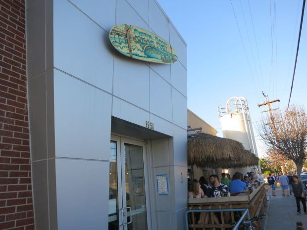 Pizza Port Sidwalk Entrance