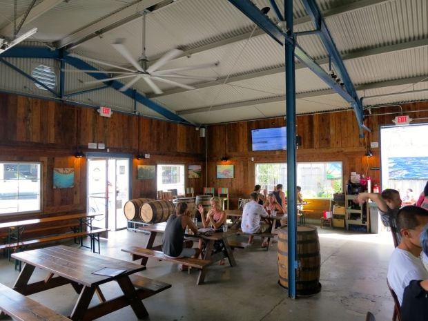 Honolulu Beerworks Seating